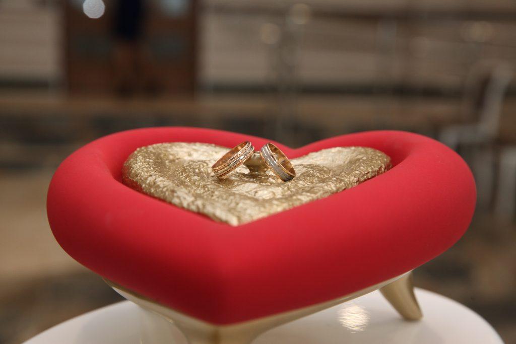 Шипиловский ЗАГС в День Святого Валентина зарегистрировал 24 пары