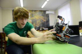 Школьники продемонстрировали движения роботов по заданной программе. Фото: архив, Вечерняя Москва