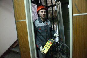 В 2017 году заменят 6 тысяч лифтов. Фото: Павел Волков