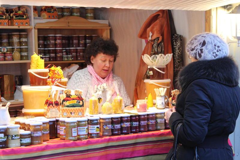 Музей-заповедник «Коломенское» собирает мед