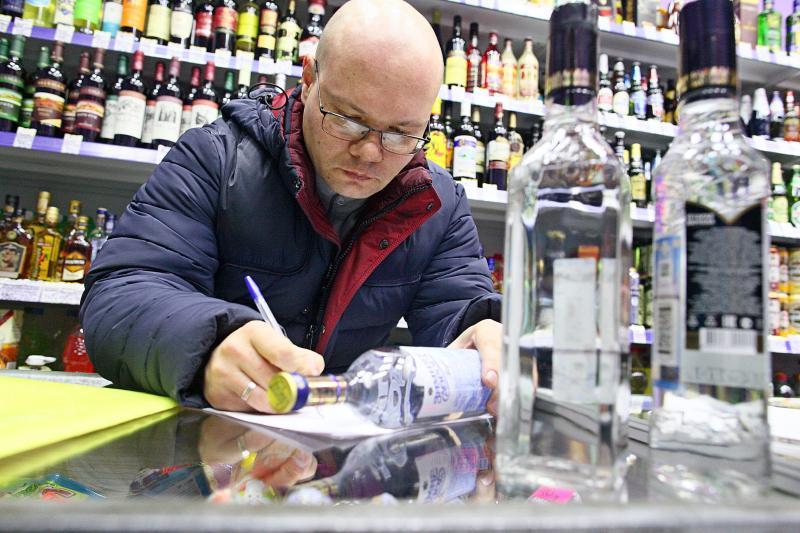 Москву проверили на торговлю контрафактным алкоголем