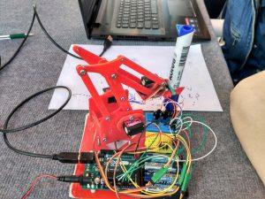 Проект юных конструкторов. Фото предоставлено школой №880