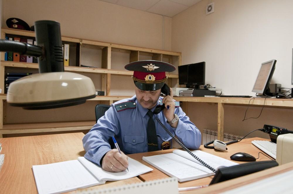 На юге Москвы ищут преступника, укравшего 400 тысяч рублей из «Мерседеса»