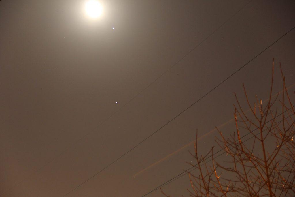 Соединение Луны, Юпитера и Спики. Фото: Филипп Романов