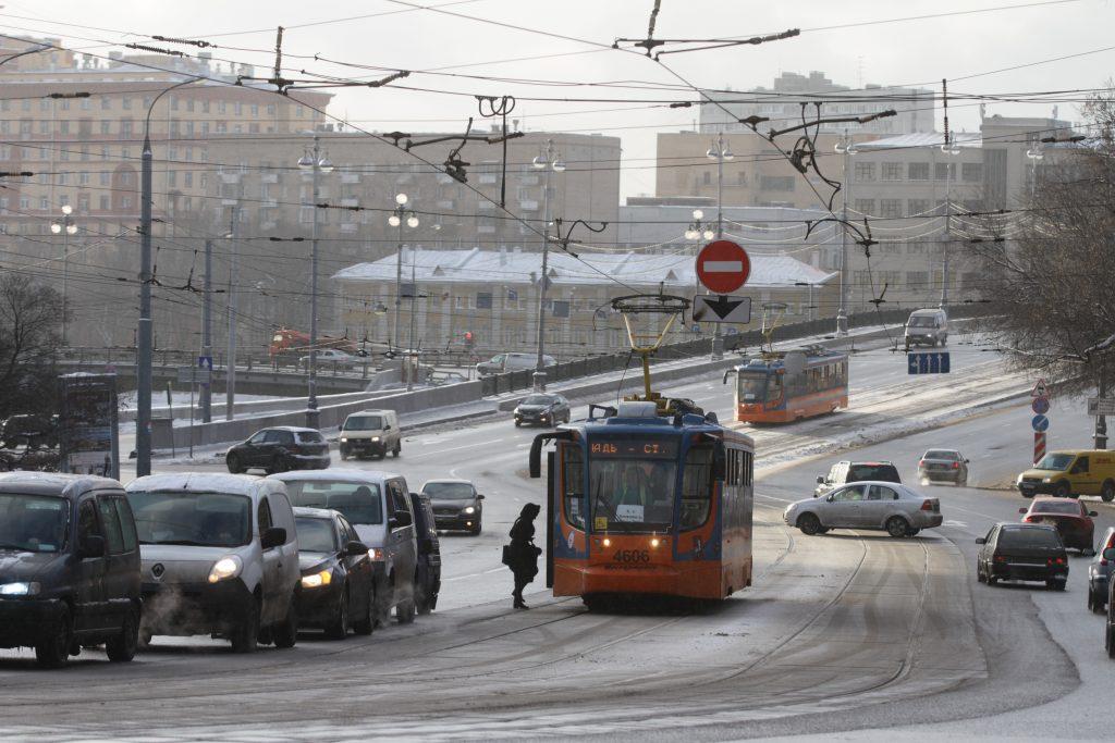 До 50 километров в час могут снизить максимальную скорость на Бульварном кольце Москвы