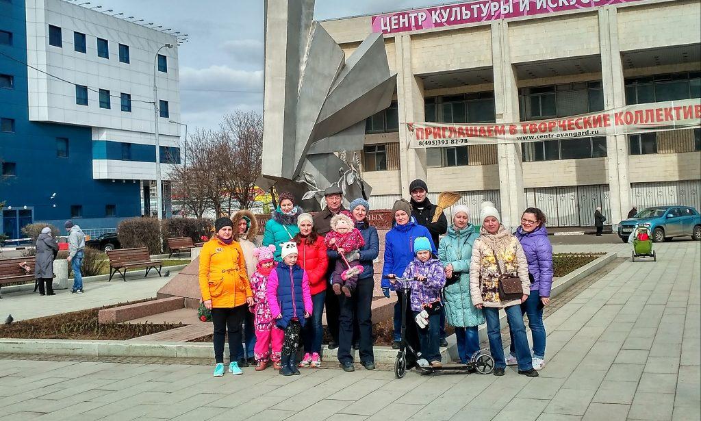 Активисты Орехова-Борисова Южного привели в порядок памятники героям Великой Отечественной войны