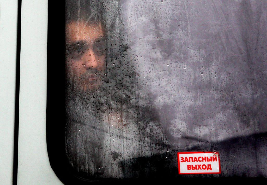 Десятки мигрантов задержаны на юге Москвы за нелегальную выпечку куличей