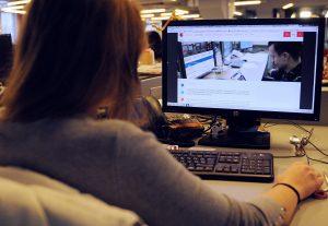 ВЦИОМ: свыше половины россиян легко «выживут» без интернета