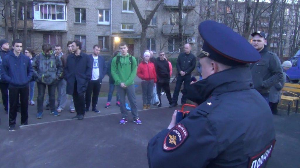 Майор полиции Леонид Голубев отчитался перед населением района Москворечье-Сабурово