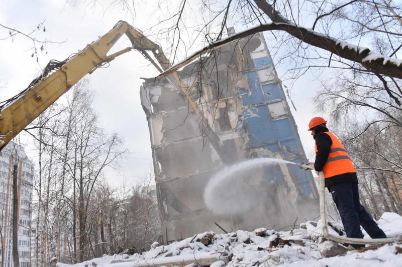 ВЦИОМ: 80% жильцов московских пятиэтажек поддерживают планы их сноса