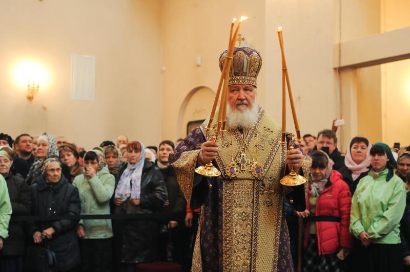 Патриарх Кирилл проведет заупокойное богослужение по погибшим во взрыве в петербургском метро