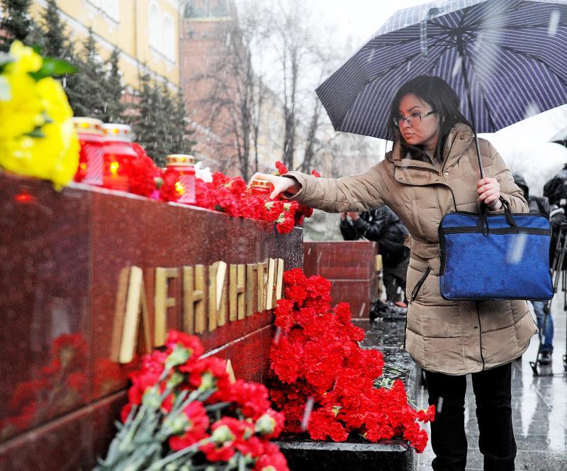 Акция памяти жертв теракта в петербургском метро пройдет в Москве