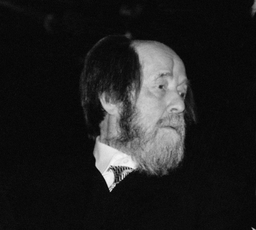 Памятники Солженицыну и Флоренскому появятся в центре Москвы