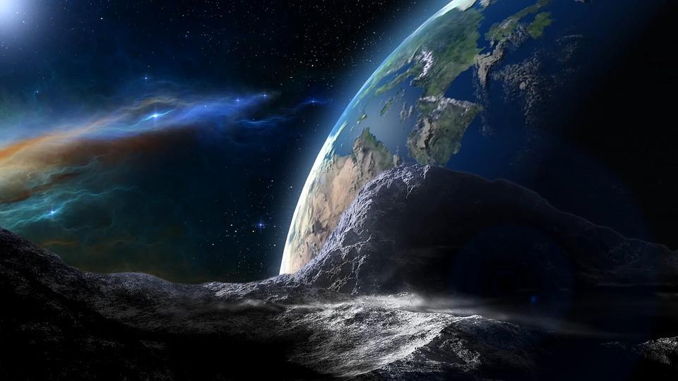 Крупный астероид над Москвой сфотографировал астроном Романов