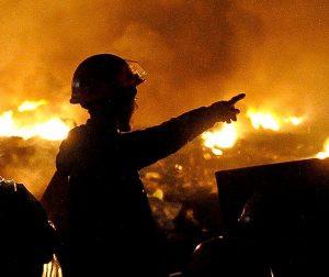МЧС ликвидировало возгорание шести автомобилей на юго-востоке Москвы
