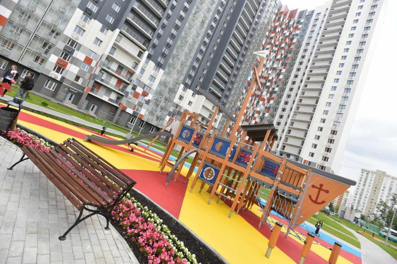 Две детские площадки на Россошанской улице благоустроят на средства от платных парковок