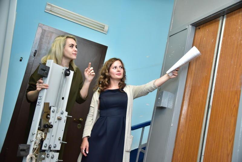 Новые лифты появятся в двух домах района Братеево