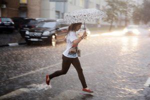 Гроза и порывистый ветер возможны в столице. Фото: архив, «Вечерняя Москва»