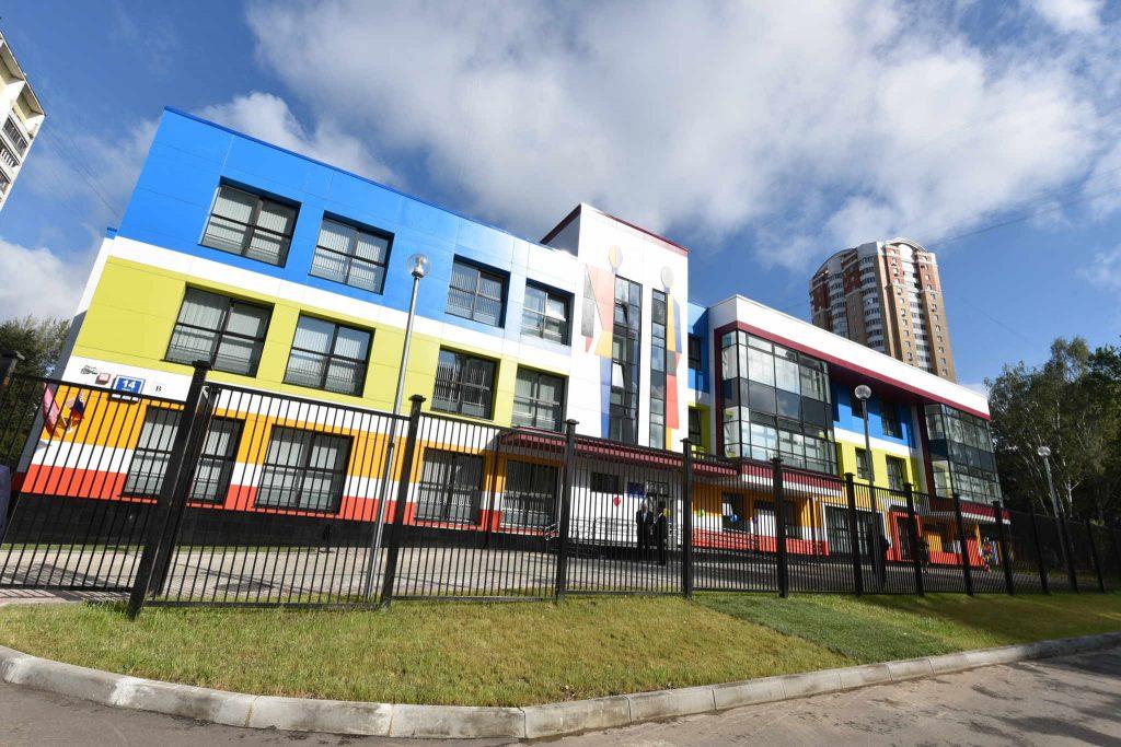 Территорию детского сада на Балаклавском проспекте благоустроят до конца недели