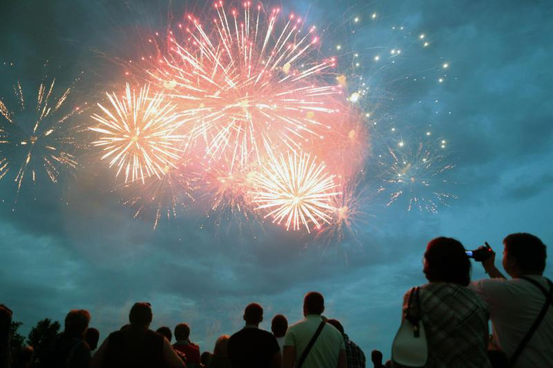 Более 60 тысяч фейерверков прогремят на фестивале в Братееве