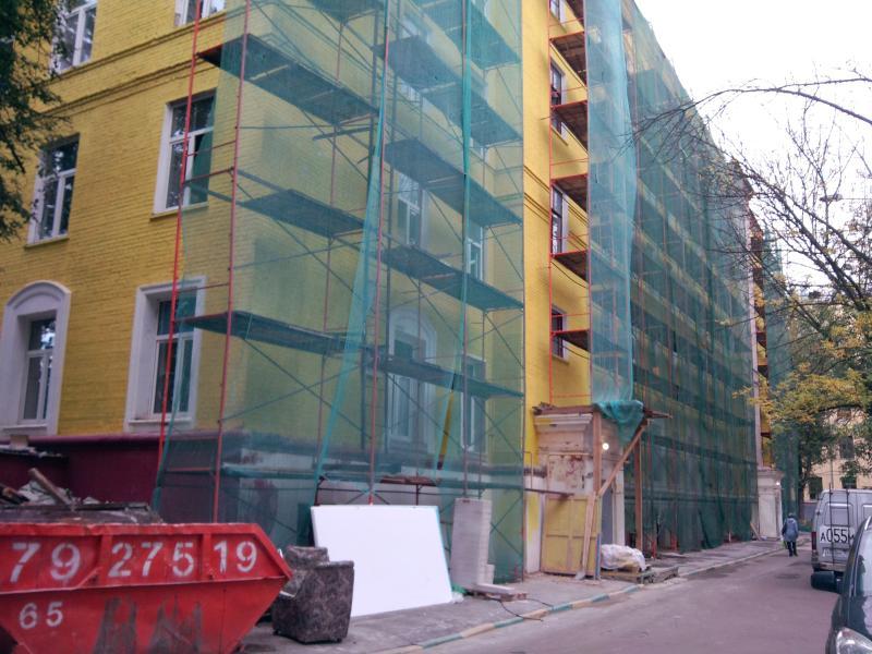 Новые инженерные системы установят в домах на Ленинском проспекте