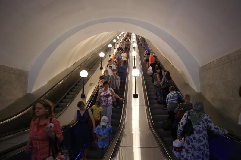 Станция «Комсомольская» Кольцевой линии изменит режим работы эскалаторов