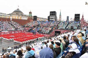 Минтруд утвердил праздники и выходные на следующий год. Фото: «Вечерняя Москва»