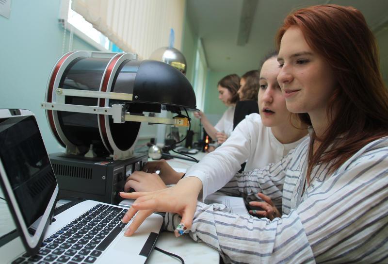 Более 600 школьников пройдут практику в Московском инженерно-физическом институте