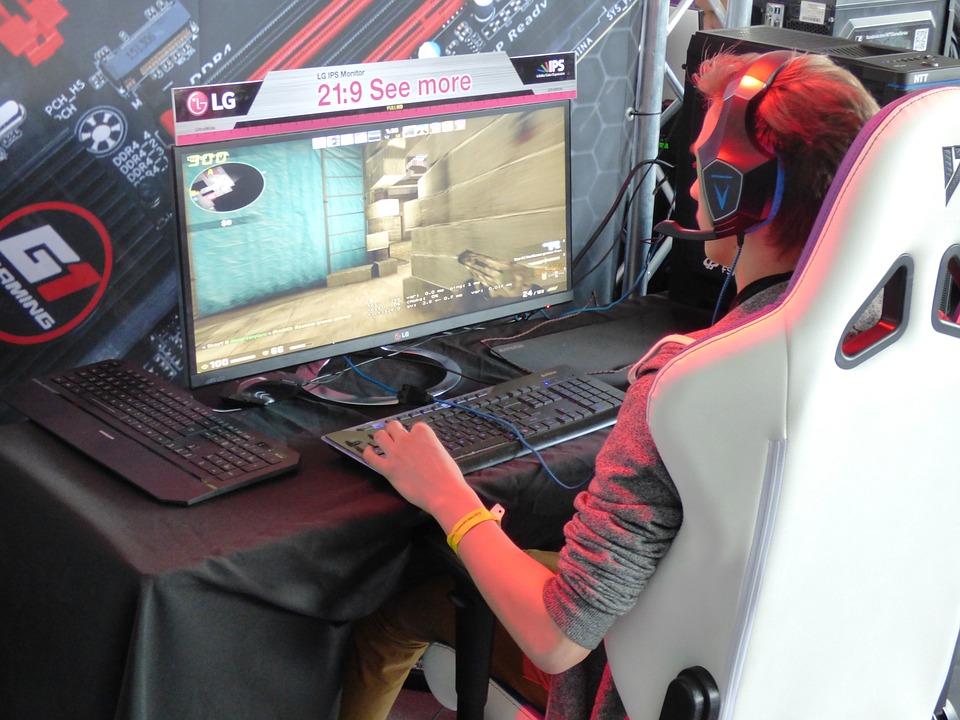 Легендарные киберспортивные команды встретятся в «Парке Легенд»