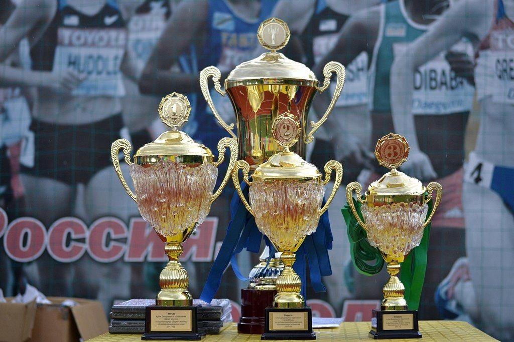 Учителя и родители Зеленограда одержали победу в финальных играх по футболу на Кубок Департамента образования
