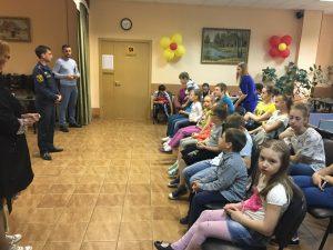 Профилактическое мероприятие в ТЦСО «Орехово». Фото: пресс-служба МЧС по ЮАО