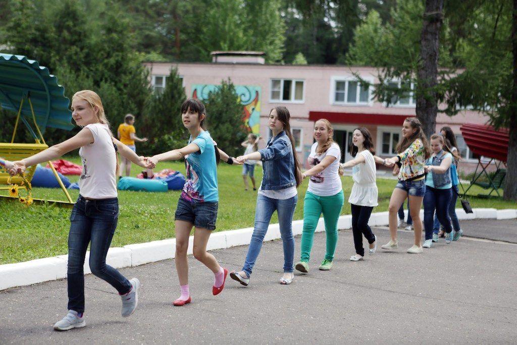 Как защитить ребенка в период летних каникул