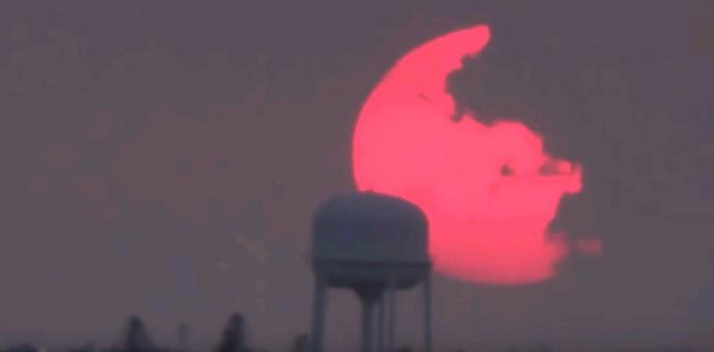Ученые разгадали тайну розовой Луны