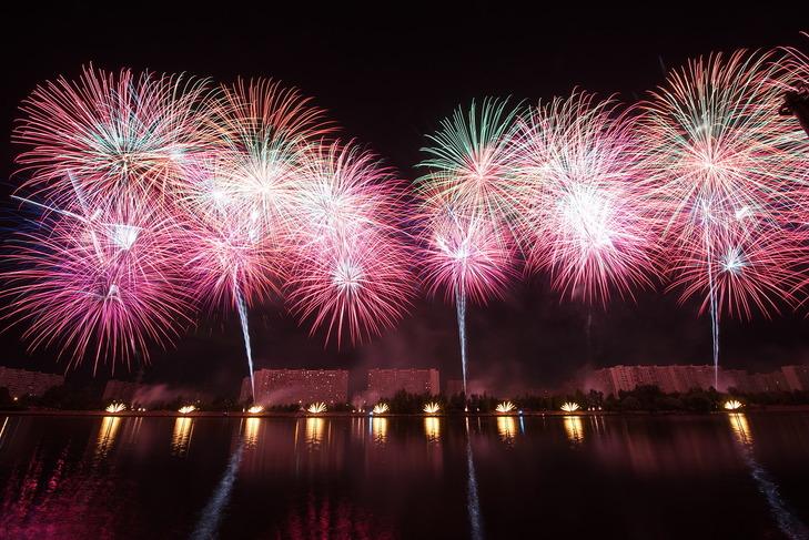 Более 700 000 человек посмотрели шоу фейерверков в Братеевском парке