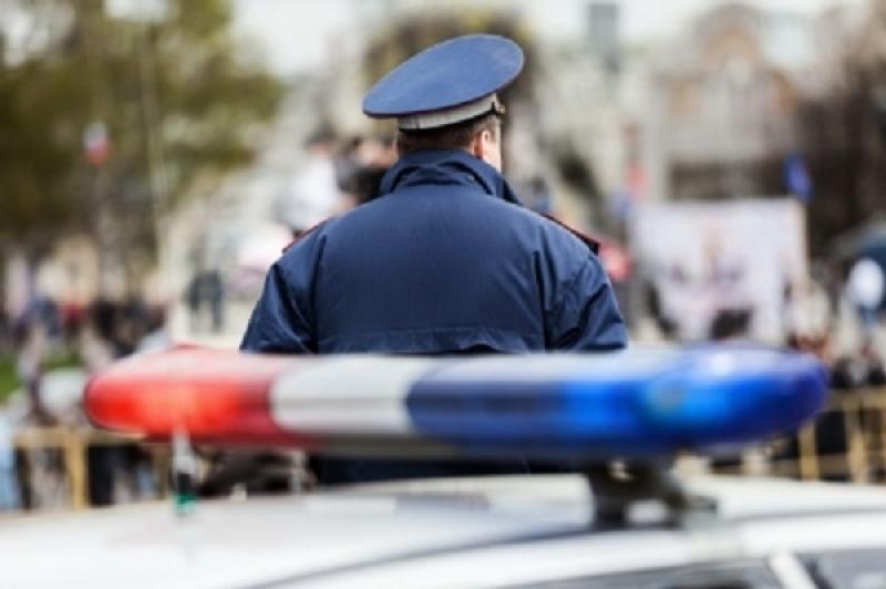 Наюге столицы иностранная машина сбила мотоциклиста