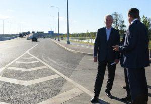 Мэр Москвы Сергей Собянин открыл движение по новой дороге от Боровского шоссе до деревни Ботаково