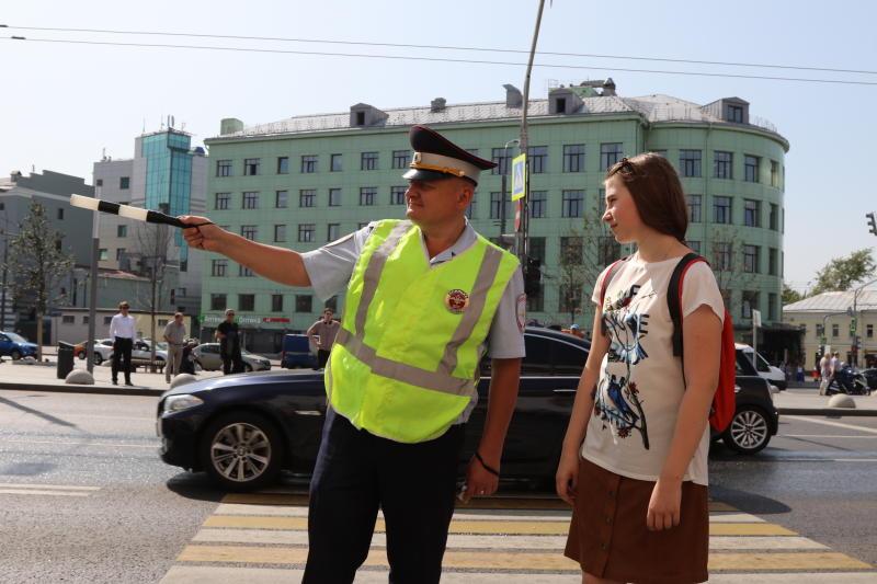 В Москве усилят контроль за соблюдением правил парковки у школ в День знаний