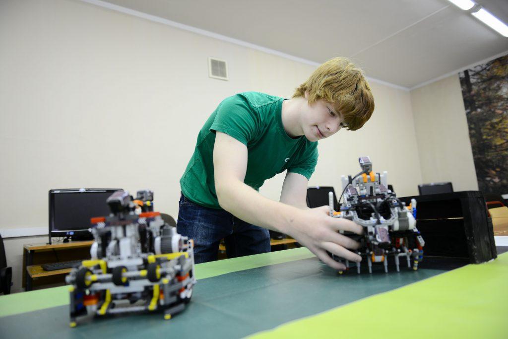 МИЭТ: Определена дата проведения и открыта регистрация на Московский городской молодежный фестиваль «Битва роботов»!