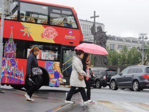 Парковки для туристических автобусов организуют в Москве