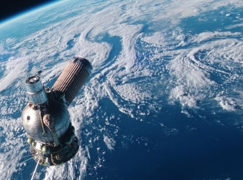 Ученые назвали дату падения гигантского спутника на Землю