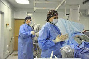 Ортопеды Нагорного района провели операцию по артроскопии локтевого сустава. Фото: Пелагея Замятина, «Вечерняя Москва»