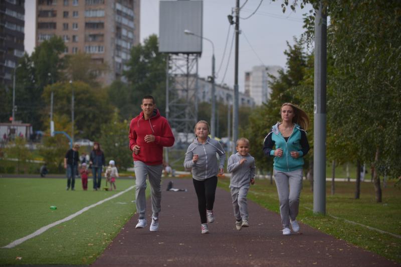 Более 600 любителей бега приняли участие в кроссе «Лисья нора»