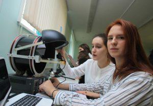 Теперь в рамках сотрудничества московских школ с оренбургскойбудут осуществляться совместные образовательные, инновационные и социальные проекты. Фото: Наталия Нечаева, «Вечерняя Москва»