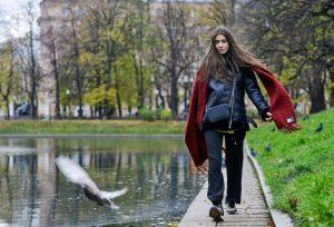 Теперь жители Чертанова Центрального смогут прогуляться по набережной Кировоградских прудов. Фото: архив, «Вечерняя Москва»
