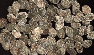 Монеты времен Петра I нашли в центре Москвы