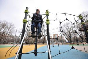 Лучшим спортивным двором в Южном округе признали площадку в Нагатинском Затоне. Фото: архив, «Вечерняя Москва»