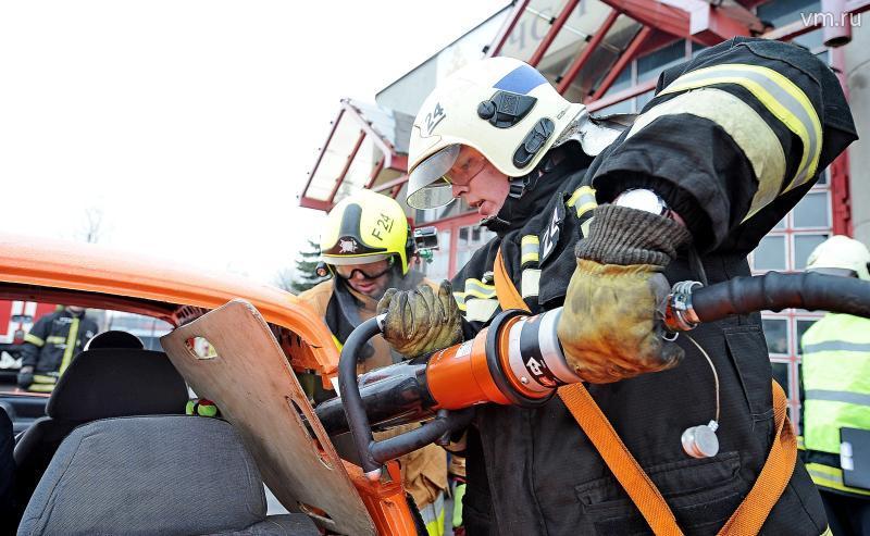ВТекстильщиках сотрудники МЧС спасли отогня восемь человек