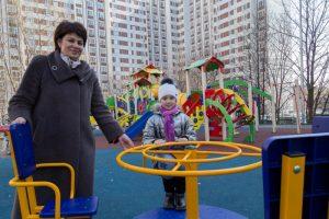 На средства от платных парковок в Чертаново Центральном благоустроили 51 городской объект. Фото: архив, «Вечерняя Москва»