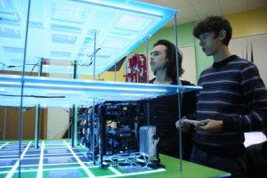 В технопарке «Кванториум» на базе школы в промзоне ЗИЛ дети смогут обучиться навыкам робототехники, программирования, защиты информации и многому другому. Фото: Антон Гердо, «Вечерняя Москва»