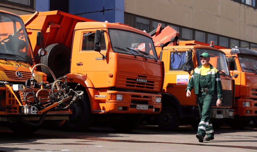 Коммунальные и дорожные службы Москвы перешли на усиленный режим работы из-за праздников